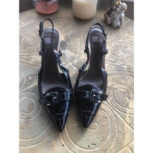Burberry Black Pointy Toe Heels Patent Leather